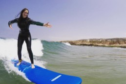 Intermediate Surf Lessons, guiding